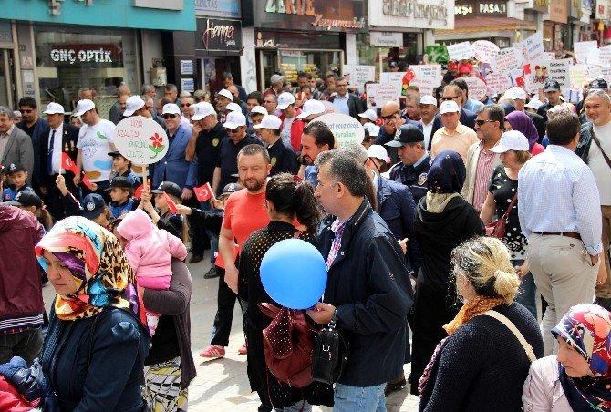 Kütahya'da Polis-halk Yürüyüşü