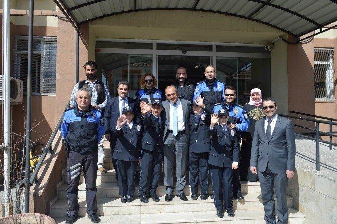 Polis Oldular