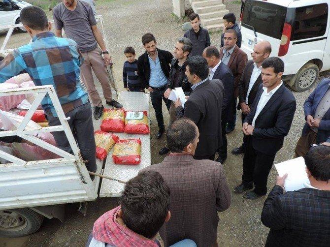 Derecik Belediyesi Yüksekova'dan Beldeye Göç Eden Tüm Ailelerin Kira Ve Gıda Masraflarını Karşılıyor