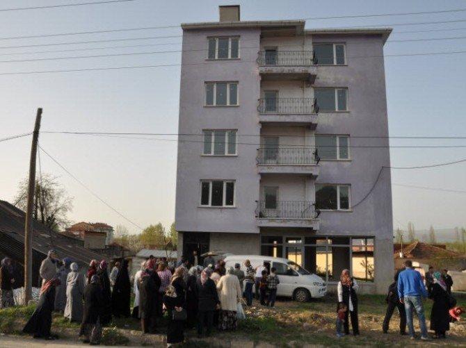 Simav'da Baz İstasyonu Tepkisi
