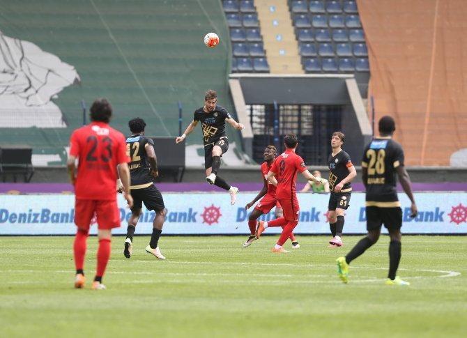Osmanlıspor: 0 Eskişehirspor: 0 (İlk yarı)