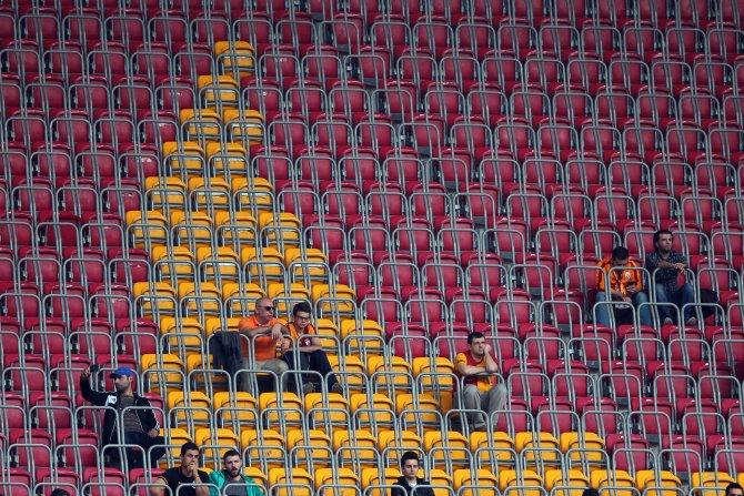 Galatasaray: 0 - Çaykur Rizespor: 0 (İlk yarı)