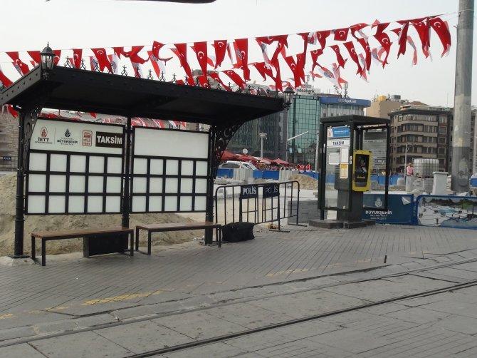 Taksim'de şüpheli çanta alarmı
