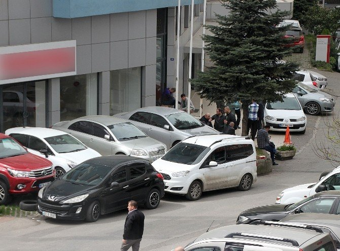 Zonguldak'ta Okullara Ve İki Otomotiv Şirketine Kayyum