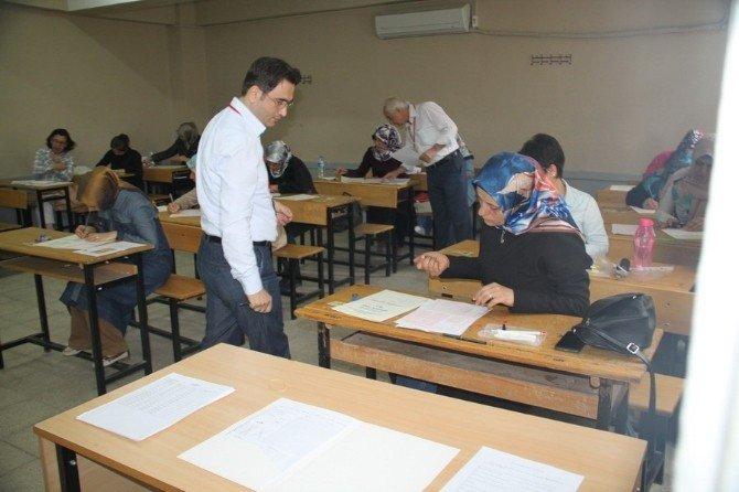 Sağlık Personeli Hac Sınavı Adana'da Yapıldı