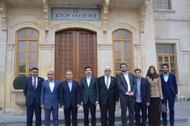 Kilis'i, Nobel Barış Ödülüne Aday Gösteren Ayhan Sefer Üstün Valiliği Ziyaret Etti
