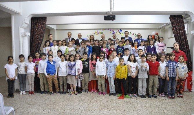 İlkokul Öğrencilerine Müzik Dersi