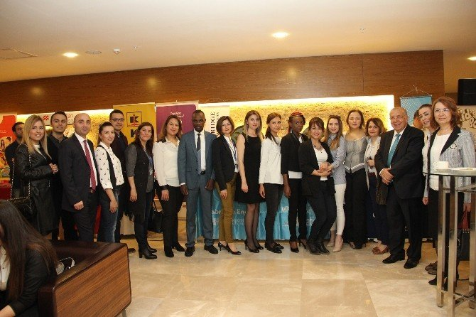 Gaziantep Kolej Vakfı 11.elt Konferansına Yoğun İlgi