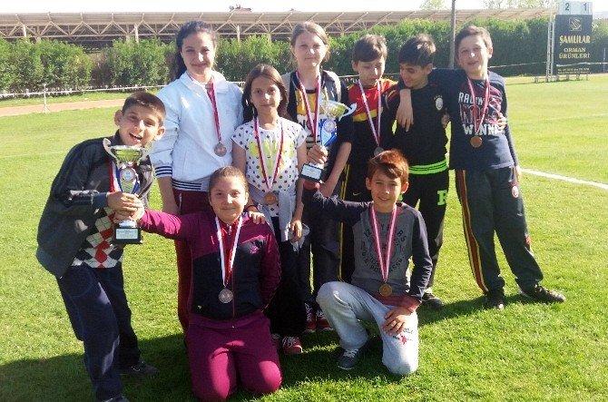 Büyükesence Ortaokulu, Bocce Turnuvasında Kupaları Topladı