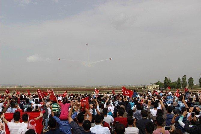 Türk Yıldızlarının Gösterisi Şanlıurfa'da Nefes Kesti