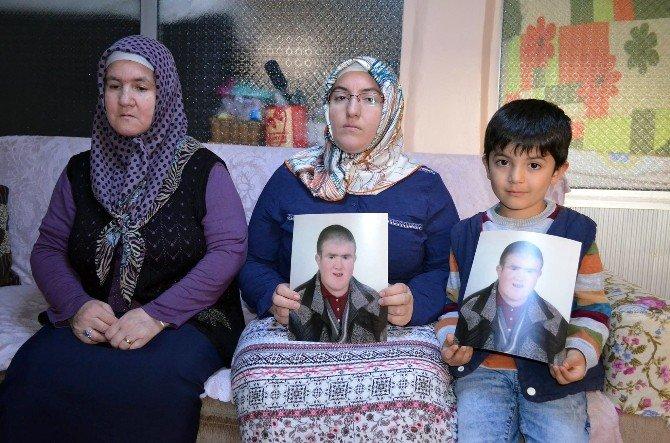 """Bir Annenin En Acı Feryadı: """"Oğlum Ölü Ya Da Diri Bulunsun"""""""
