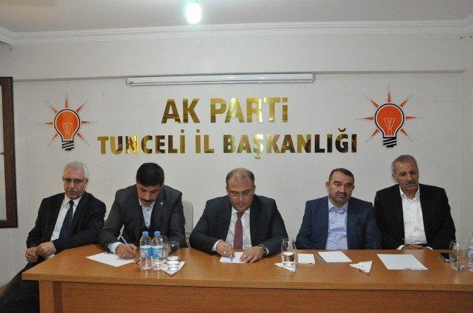 Milletvekili Şahin, Tunceli'de 'Yeni Türkiye'de Sivil Toplum Buluşmaları' Toplantısına Katıldı
