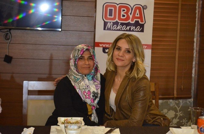 Esra Erol'dan Nöroblostom Hastası Gamze'ye Doğum Günü Sürprizi