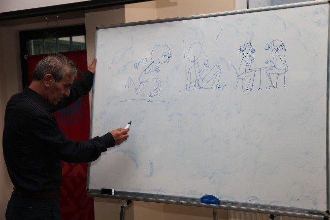 Gençler Karikatür Öğreniyor