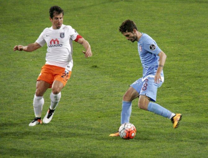 Trabzonspor: 1 – Medipol Başakşehir: 1 (İlk yarı)