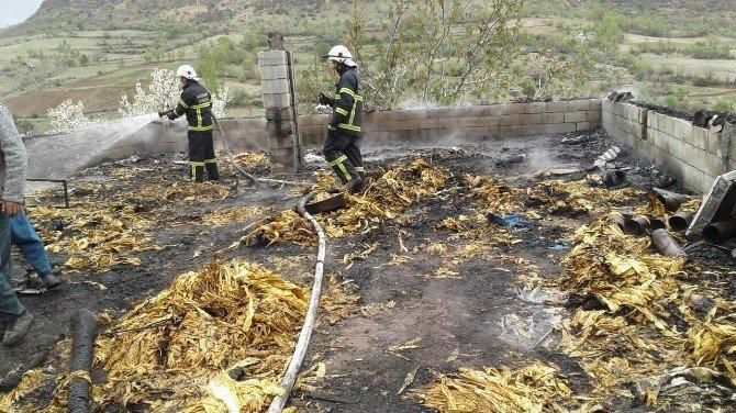Yangın Çatı Katını Kül Etti