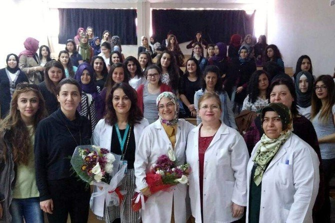 Geleceğin Sağlıkçıları Sosyal Sorumluluklarını Yerine Getiriyor