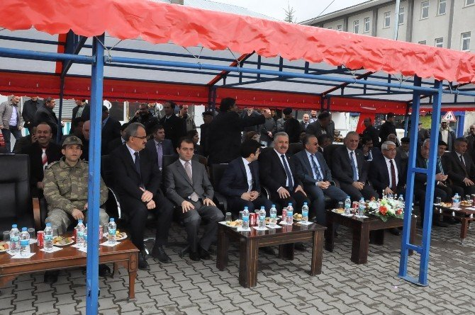 Arpaçay Belediyesi Araç Parkını Büyüttü