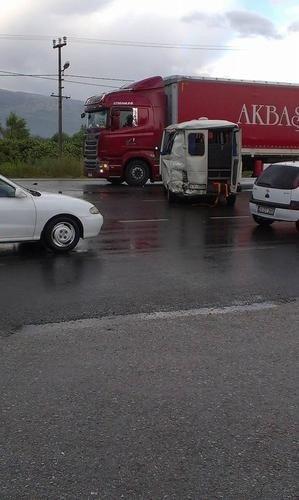 Aydın'da Tır İşçi Minibüsüne Çarptı; 14 Yaralı