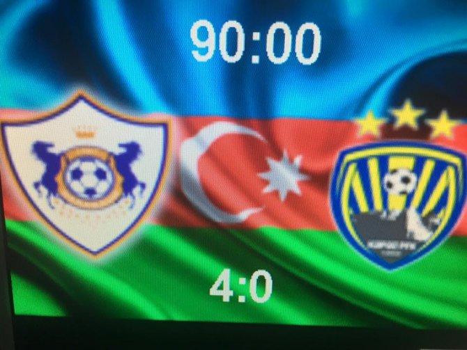 Azerbaycan Premier Lig'de Karabağ liderlini sürdürdü