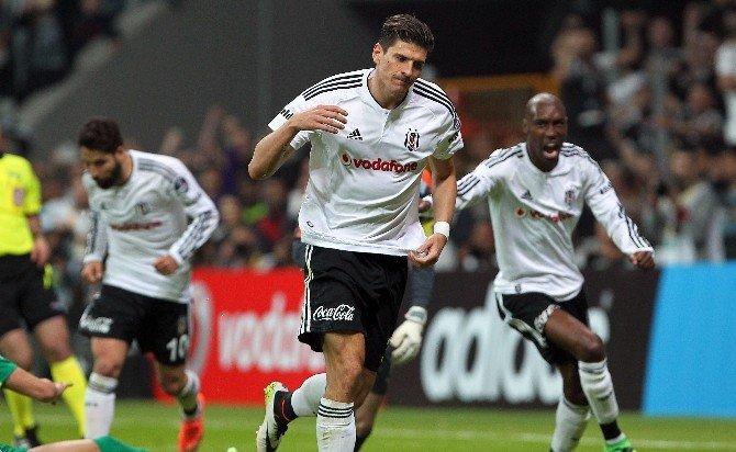 Vodafone Arena'da Gomez Fırtınası