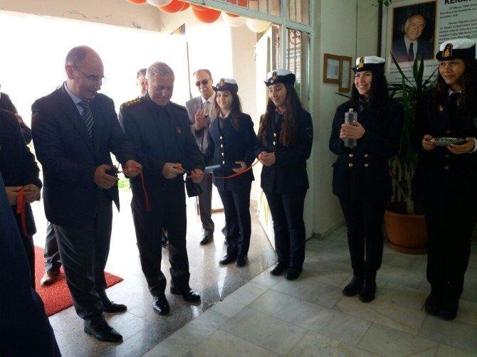 Ayvalık'ta Pakmaya Kenan Kaptan Mtal 4006 Bilim Fuarı Açıldı