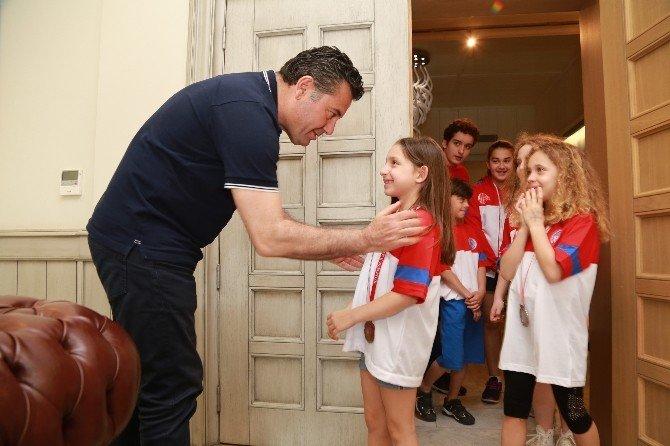 Başarılı Sporculardan Başkan Kocadon'a Ziyaret