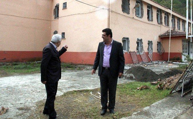 Başkan Ekeş, Başesgioğlu'na Proje Ve Çalışmalarını Anlattı