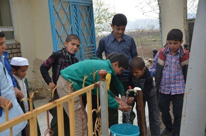 TİKA'dan Afganistan'da 10 Bin Kişiye Temiz İçme Suyu
