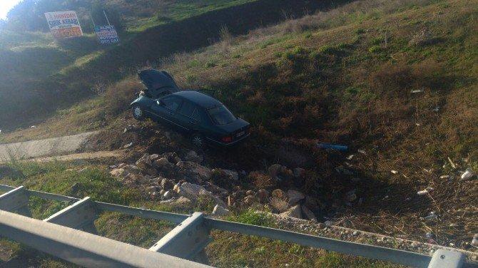 Otomobil Menfeze Uçtu: 1 Yaralı