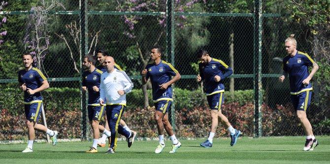 Fenerbahçe'de, Galatasaray maçı hazırlıkları sürüyor