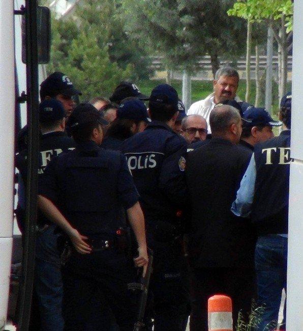 Fetö/pdy Operasyonunda Gözaltına Alınan 6 Kişi Adliye'ye Sevk Edildi