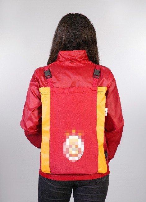 Giyilebilen Çanta Üretti, Taklit Edilmekten Korkuyor