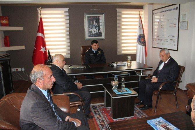 İncesu Belediye Başkanı Zekeriya Karayol İlçe Emniyet Müdürlüğünü Ziyaret Ederek Polislerimizin 171. Yılını Kutladı