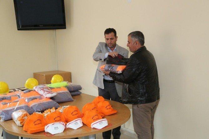 Melikgazi Belediyesi Melbusat Dağıtımını Yaptı