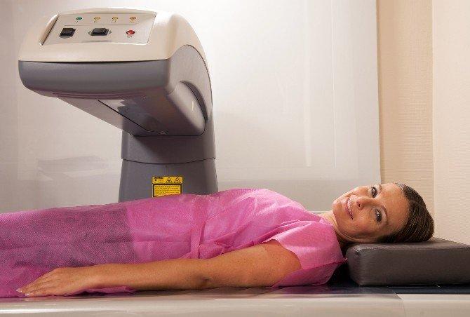 Menopoza Giren Kadınlar Kemiklerini Takip Etmeli