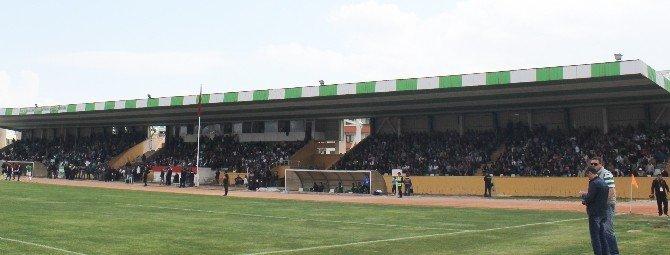 2-0'a Rağmen Stadı Terketmediler