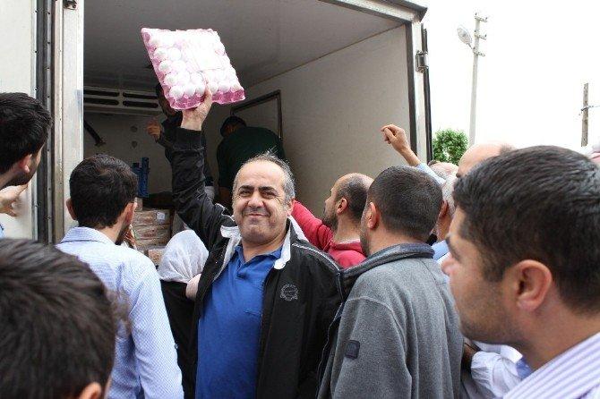 Silopili Vatandaşlar İhtiyaçlarını Seyyar Marketlerden Karşılıyor