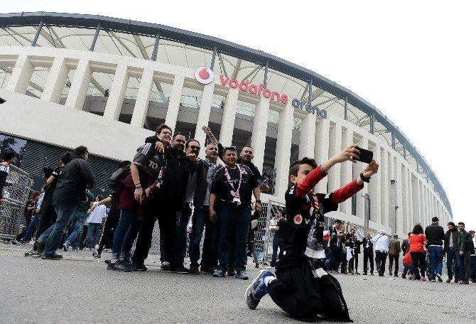 Vodafone Arena'da Tarihe Geçtiler