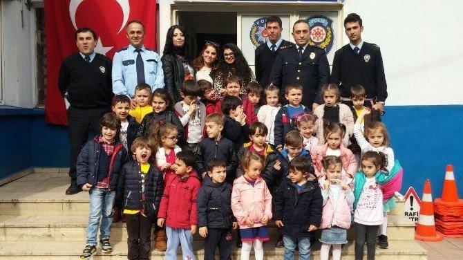 Trabzon'da Miniklerden Bölge Trafik Şube Müdürlüğü'ne Ziyaret