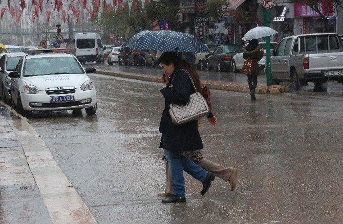 Elazığ Bölgesinde Yağışlar Etkisini Gösteriyor