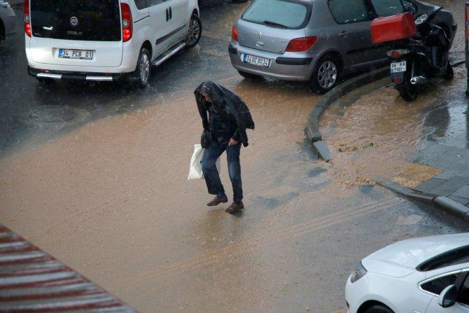 Yağmur hayatı felç etti