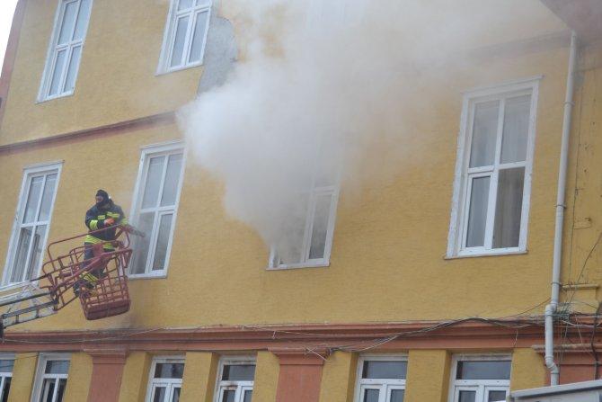 Havza'da korkutan otel yangını