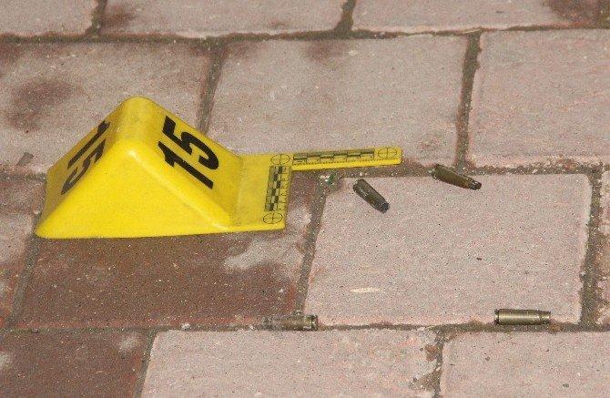 Sokak Ortasında Kalaşnikoflu İnfaz