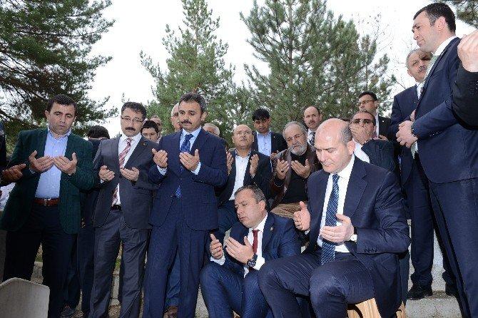 AK Partili Uslu Annesini Son Yolculuğuna Uğurladı