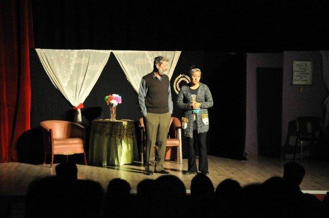 'Karar Senin İlk Namaz' Tiyatrosu Akşehir'de Sahnelendi