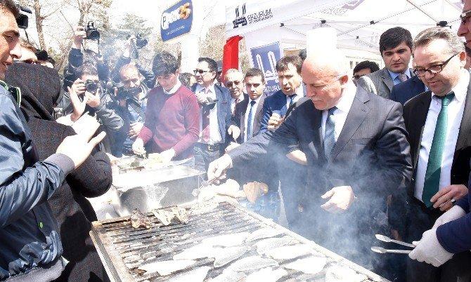 Büyükşehir Ve AÜ'den Balık Şenliği