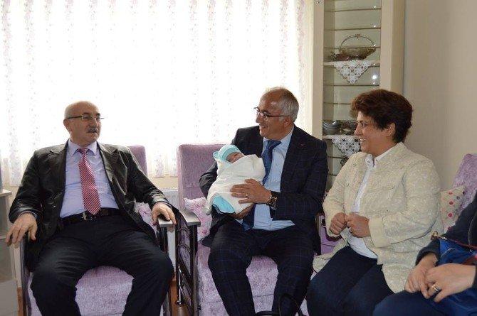 Belediye'den 'Hoşgeldin Bebek' Projesi