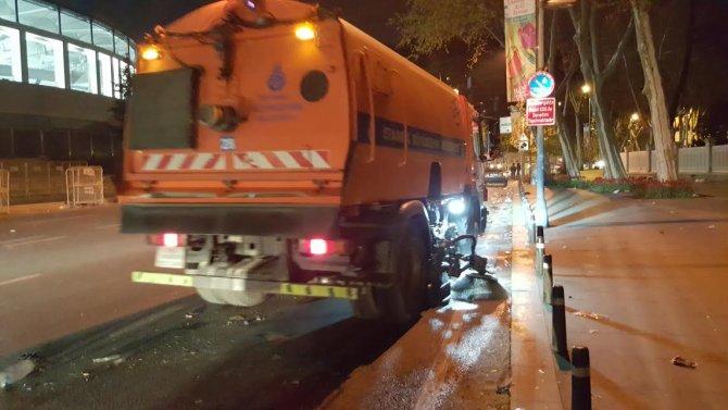 Beşiktaş - Bursaspor maçının ardından çevrede oluşan kirlilik temizlendi