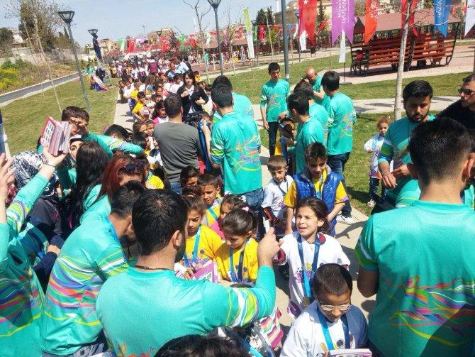 Üniversiteliler çocuk şenliğinde liderlik yaptı